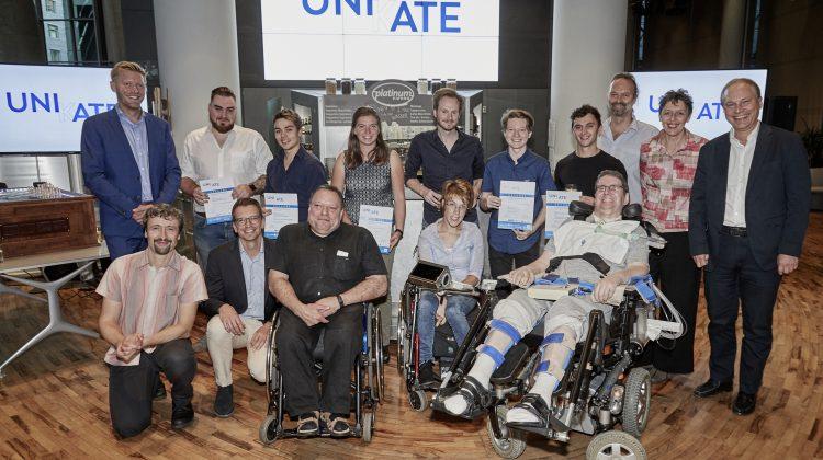 Gruppenbild der UNIKATE PreisträgerInnen, VerteterInnen von UNIQA, TU Wien und Österreichischem Behindertenrat